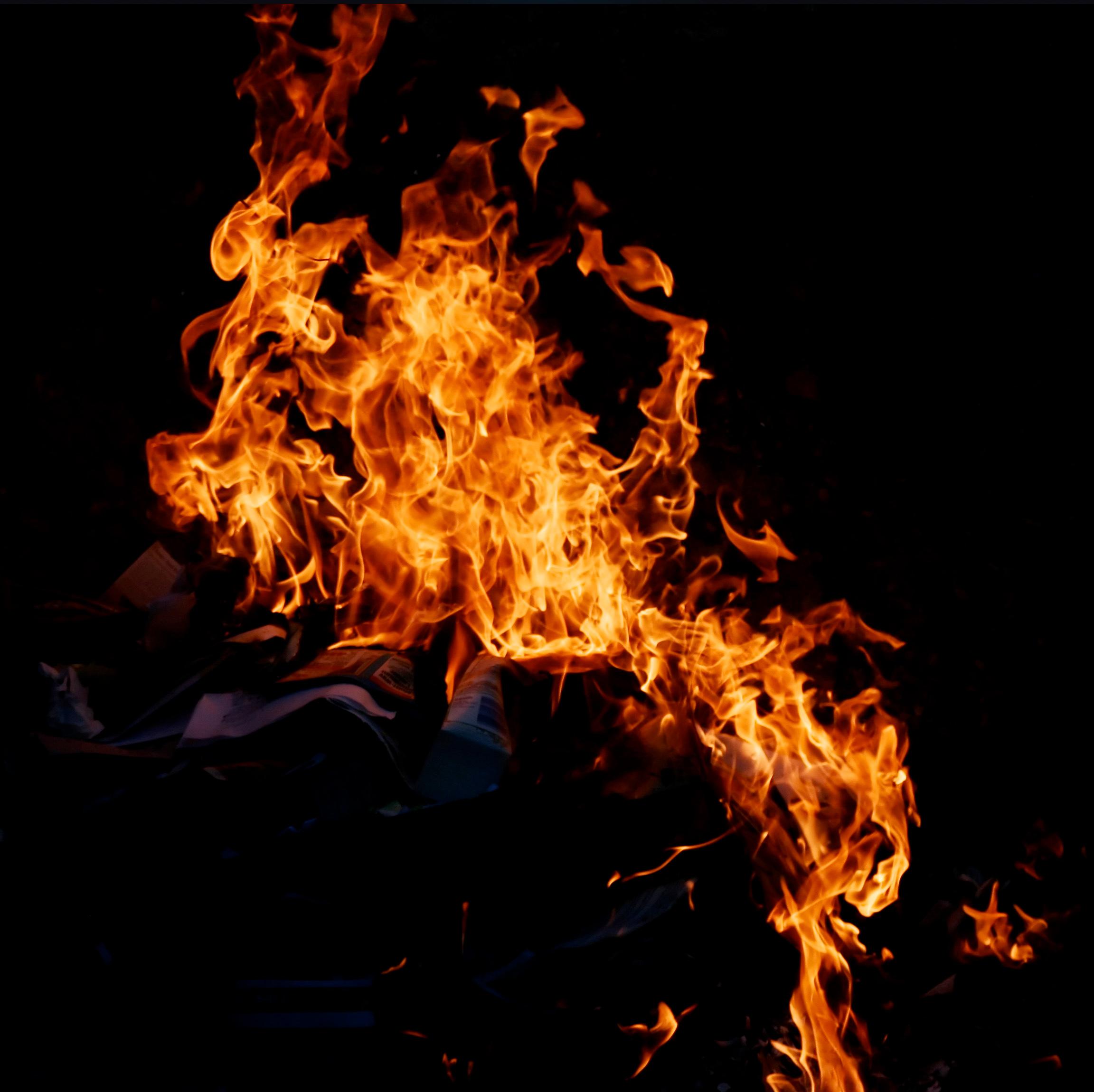 того, спектр фото необычный огонь в черном фоне дима всегда отдаёт